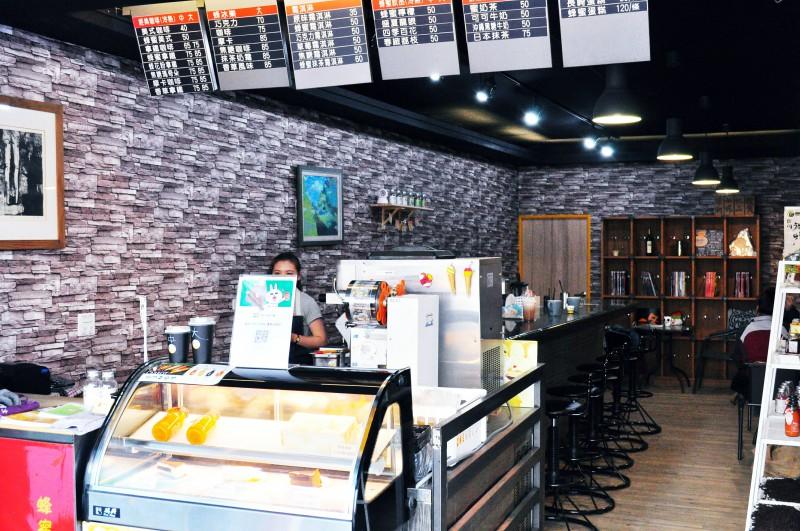 西螺咖啡推薦-蜂潮咖啡店面2