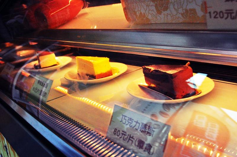 西螺咖啡推薦-蜂潮咖啡蛋糕